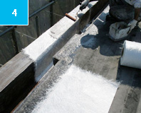 ガラスマットライニング ガラス繊維でできたマットを基材として樹脂を染み込ませる。