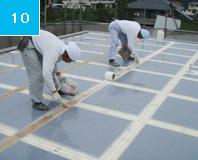 ガラスマットライニング パテ処理することによって形を整えてガラスマットの密着性を高め、仕上げもより綺麗になる。